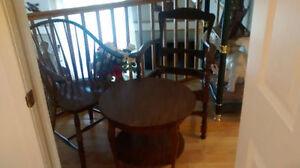 3 meubles antiques Vente rapide 350$ lensemble