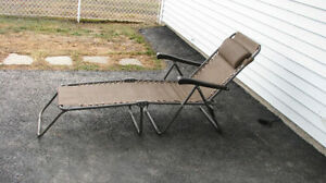 **REDUCED** Folding Recliner Lounge Chair with Armrests and