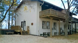 8 Bed Blue Mountain Chalet - Discount Available This Weekend
