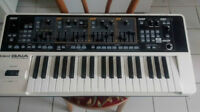 Synth Roland Gaia SH-01 en parfaite condition