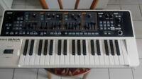 Synth Roland Gaia SH-01 en parfaite condition