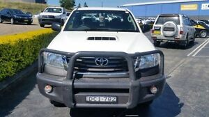 2013 Toyota Hilux KUN26R MY12 SR Xtra Cab White Manual Utility South Maitland Maitland Area Preview