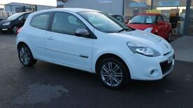 RENAULT CLIO 1.1 DYNAMIQUE TOMTOM 16V 3d 75 BHP - 360 SPIN ON (white) 2012