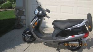 Kinetic Gas Scooter for sale