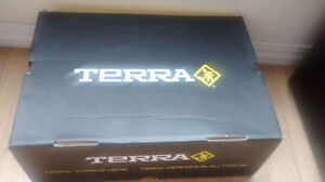 TERRA safty shoe size 7 never used