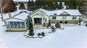 Beautiful Ranch Style Bungalow on Premium Lot! 7 Acres in King!