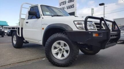2006 Nissan Patrol GU II DX White 5 Speed Manual Cab Chassis Dandenong Greater Dandenong Preview