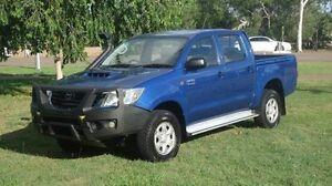 2013 Toyota Hilux KUN26R MY14 SR Double Cab Blue 5 Speed Manual Utility Winnellie Darwin City Preview