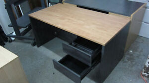 STILL AVAILABLE - HIGH QUALITY WOW HIGH QUALITY OFFICE DESK