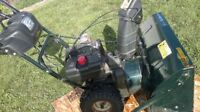 2004 yardworks  10.5hp 30 inch cut snowblower snow blower