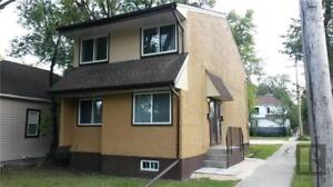 PET FRIENDLY 2 BEDROOM UPSTAIRS SUITE IN DUPLEX – 490 CATHEDRAL