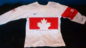 Nike Team Canada Jersey Mens Large