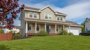 WINFIELD HILLS- Ideal executive Family home!