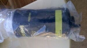 New in Box--John Deere 7710 Fuel Filter-----Yorkton, SK