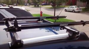 Thule Rapid Crossbar System / Roof Racks with two Bike Carriers