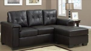 REVERSIBLE SECTIONAL COUCH IN BROWN BONDED LEATHER 499$