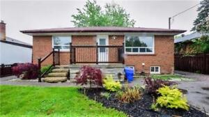 3 Bedrooms Detached Bungalow with 1 bedrooms basement for sale