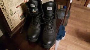 SWAT safety boots, mens size 7, barely used $60
