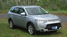 2014 Mitsubishi Outlander ZJ MY14.5 ES 4WD Silver 6 Speed Constant Variable Wagon The Narrows Darwin City Preview
