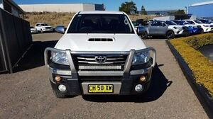 2014 Toyota Hilux KUN26R MY14 SR5 (4x4) White 5 Speed Manual Dual Cab Pick-up Taylors Beach Port Stephens Area Preview