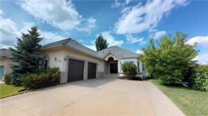 Absolutely pristine bungalow in Wedgewood