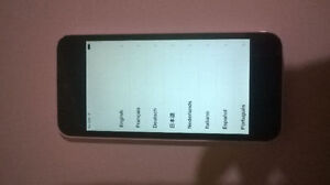 iPhone 5C 16GB White locked to Rogers/Fido Good condition