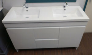 "New MODERN stylish 55"" Vanity incl DOUBLE-sink top!"