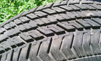 2X 14' Firestone tires w caravan rims %95 tread P 195 75 R 14