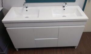"""New MODERN stylish 55"""" Vanity incl DOUBLE-sink top!"""