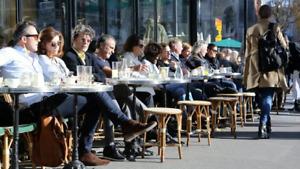CHAISES / TABLES - RESTAURANT et BANQUET