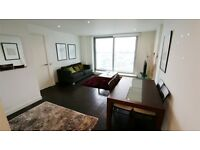 1 bedroom flat in 1 Pan Peninsula Square, Canary Wharf