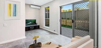 Room for rent in parramatta 10 mins walk to station