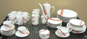Decorative stoneware dinner set