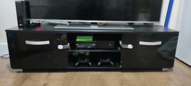 Xbox one TV stand and loads of extras 2 controllers + games