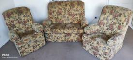 Parker knoll traditional 3 piece suite 170£