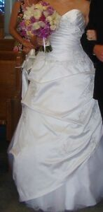 Da Vinci Wedding Dress