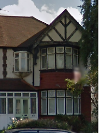 5 bedroom house in WATFORD WAY, HENDON, NW4 4XE
