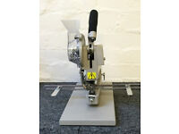 Used / Pre-owned JYSC4 Eyelet Machine