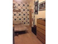 Huge double room, perfect for couples! Baker Street – Zone 1!!