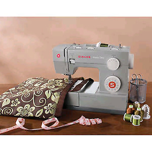 Heavy Duty Singer 4423 Sewing Machine