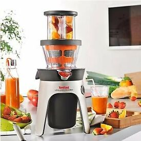 New, Boxed Tefal Infiny Press Revolution Juice Presser +2 filters for Juice/Coulis, 300 Watt £80 ono