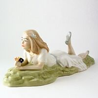 RETIRED ROYAL DOULTON FIGURINE  REFLECTIONS IDLE HOURS HN 3115