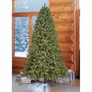 *NEW* Christmas Tree 7.5' Realistic Forest Fresh Tips Pre-Lit