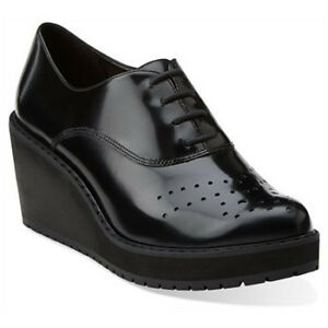 Clarks leather shoes 8.5, Black