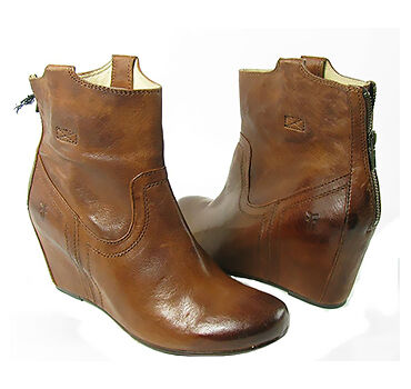 Complete Guide to Buying Women's Frye Boots