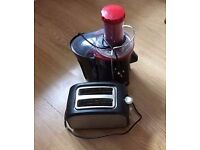 Russell Hobbs Desire Whole Fruit Juicer + free toaster. Good price