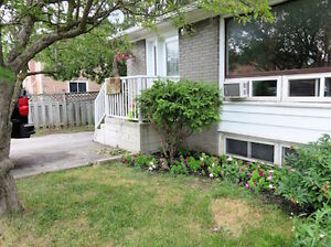 ..Beautiful Spacious – 2 Bdrm Bsmt – Yonge Street, Newmarket