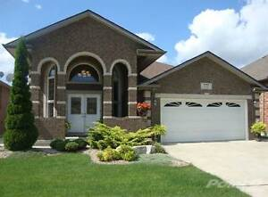 Homes for Sale in Windsor, Ontario $479,900