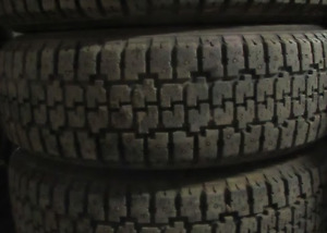 85-95% TREAD LEFT ON 4 TIRES 195/65/15 ALL SEASON
