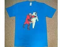 Brian Blessed Punches A Polar Bear - Mens tshirts medium